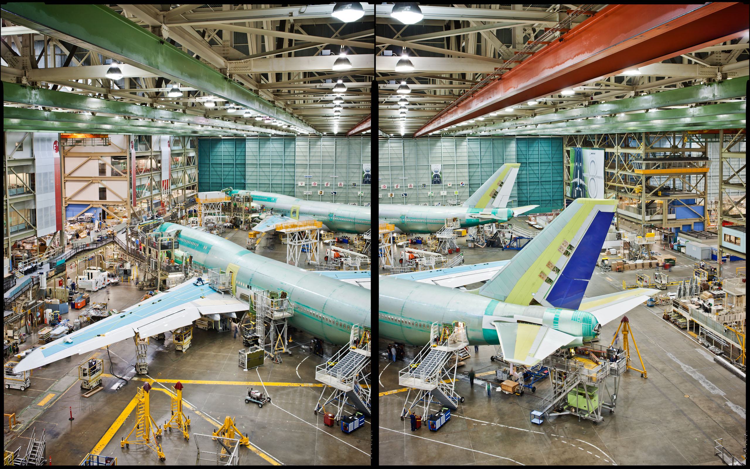 747-800 in slant assembly - Everett, WA - Conde Nast Traveler