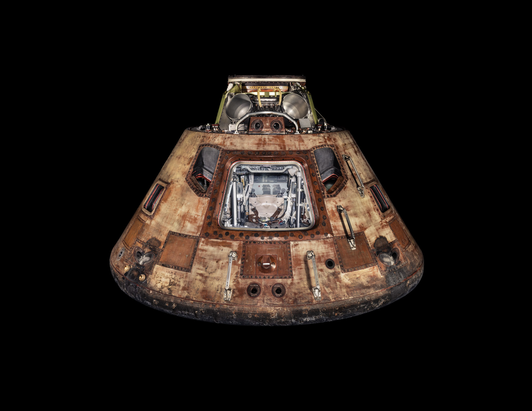 Winters_Nat_Geo_Apollo_11_Command_Module_Capsule_2967