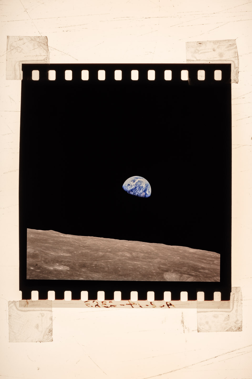 Winters_Nat_Geo_Earthrise_3892_v2