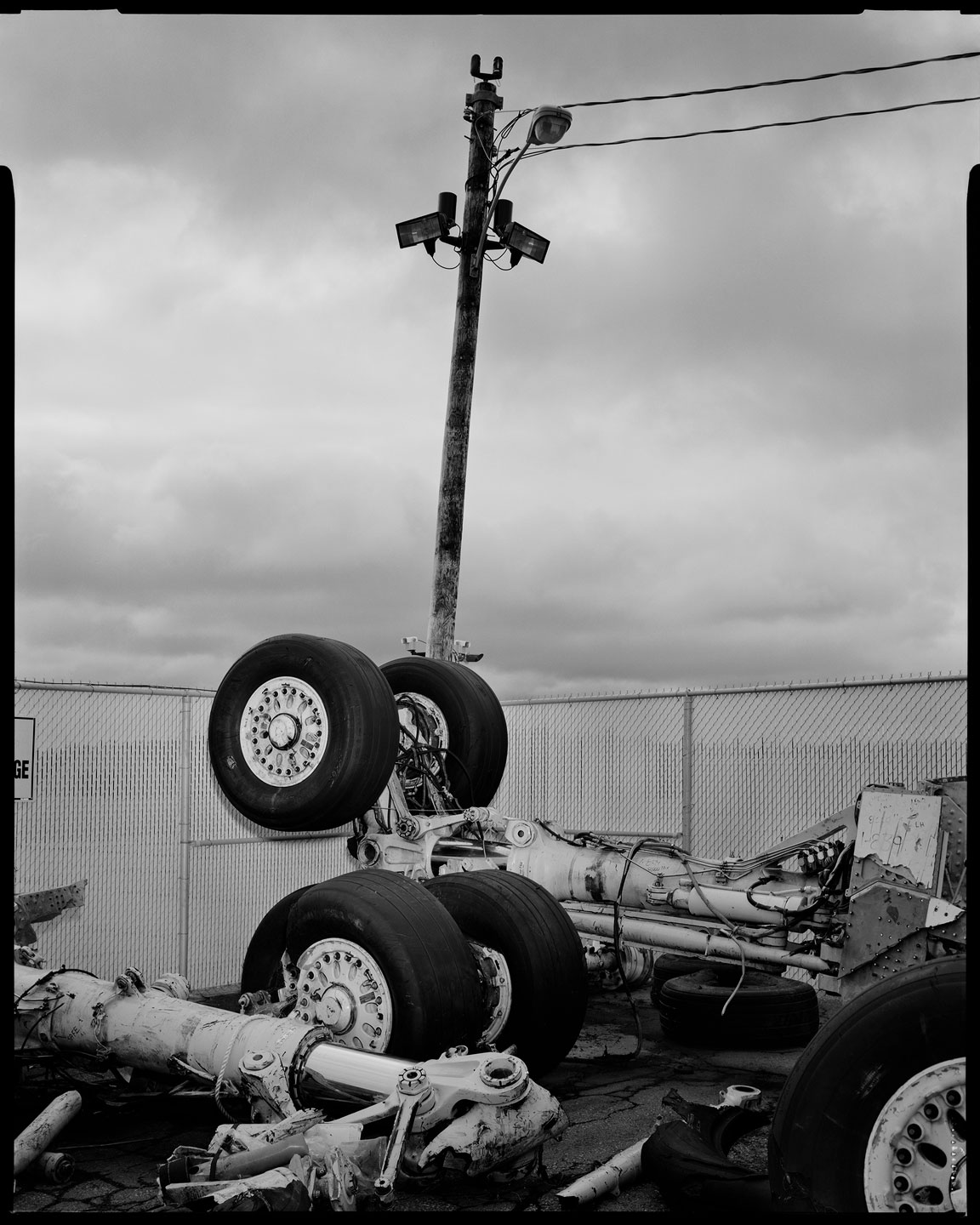plane_crash_tires